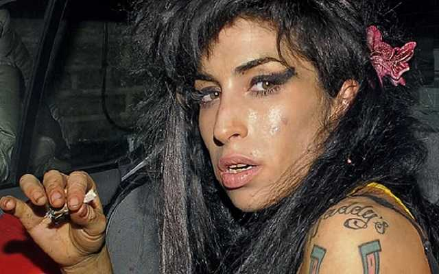 Amy Winehouse-celebridades-feias