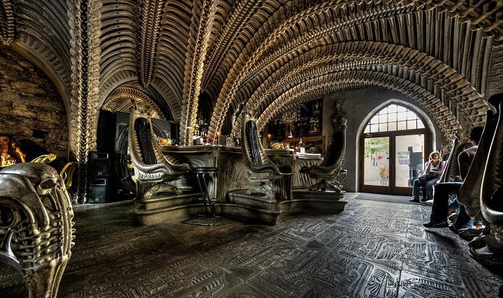 Bares exóticos H R Giger Alien Bar Gruyere Suíça